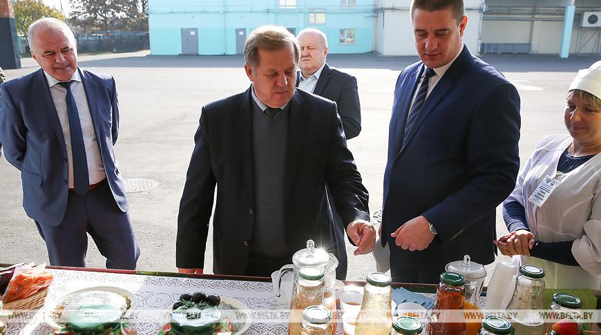 Анатолий Лис посетил Горынский агрокомбинат