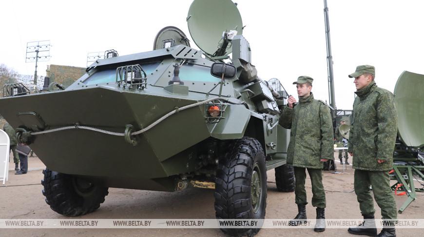 Новые образцы вооружения передали в войска связи ВС Беларуси