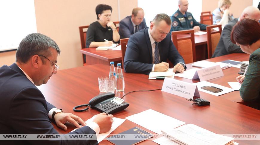 Шулейко провел прямую телефонную линию и прием граждан в Светлогорске