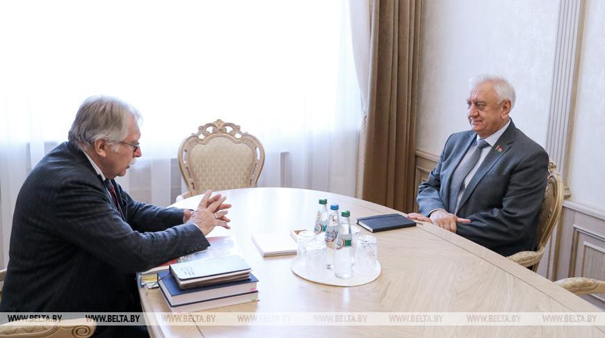 Мясникович встретился с исполнительным вице-президентом Ассоциации российских банков