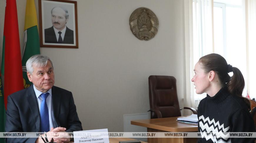 Андрейченко провел личный прием граждан в Докшицком райисполкоме