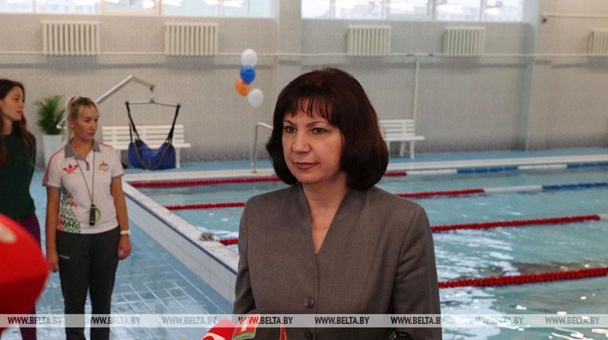 Кочанова приняла участие в церемонии окрытия нового бассейна в минском микрорайоне Шабаны