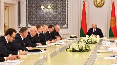 Работа белорусских дрожжевых предприятий обсуждена на совещании у Лукашенко