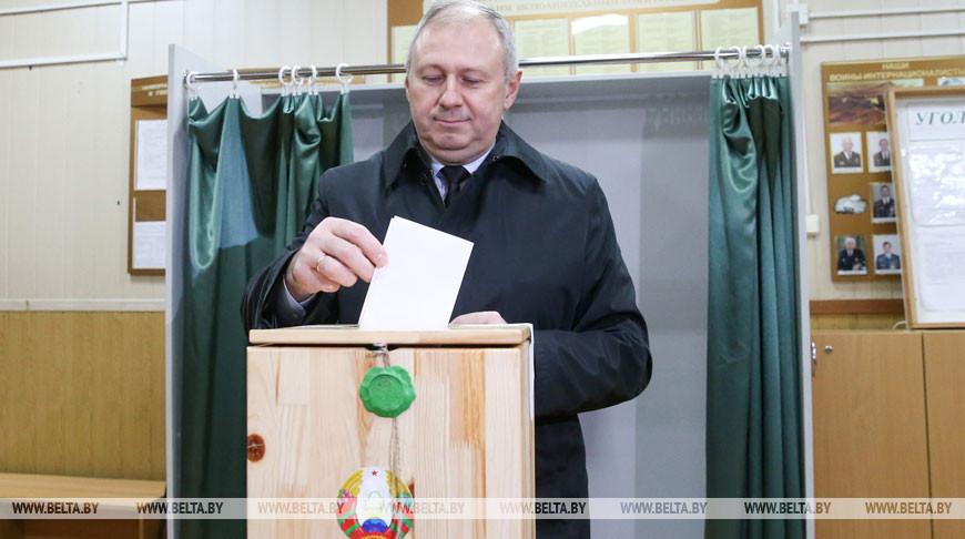 Румас принял участие в досрочном голосовании