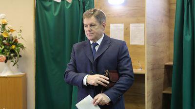 Петришенко принял участие в голосовании