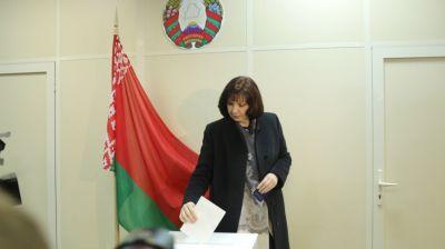 Депутат должен любить свою страну и уметь работать с людьми - Кочанова