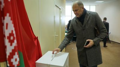 Носкевич проголосовал на выборах депутатов Палаты представителей