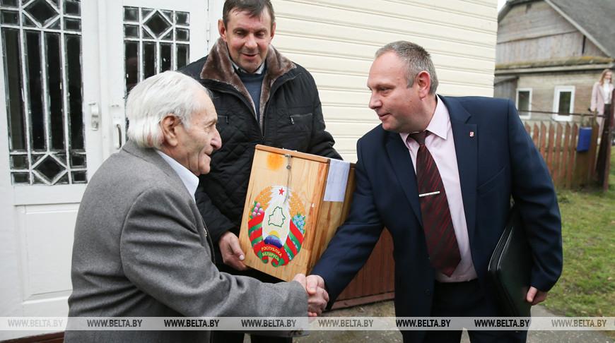 102-летний Семен Шубертий проголосовал на выборах депутатов Палаты представителей