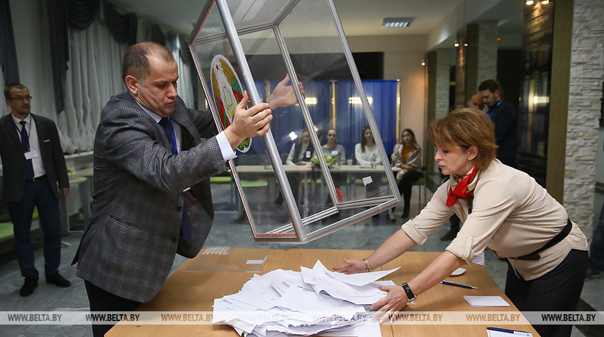 На избирательных участках Гродно идет подсчет голосов