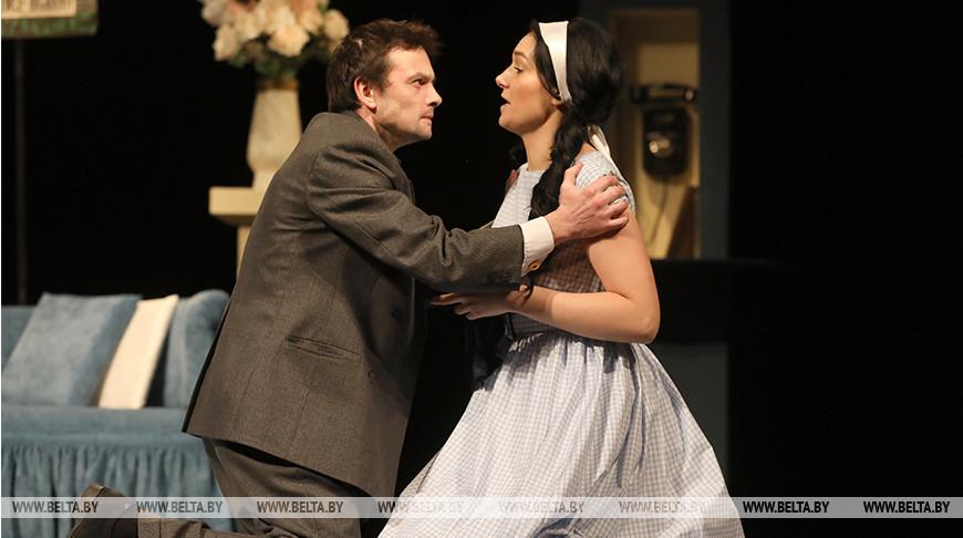 Коласовский театр подготовил премьеру комедии о семейных отношениях