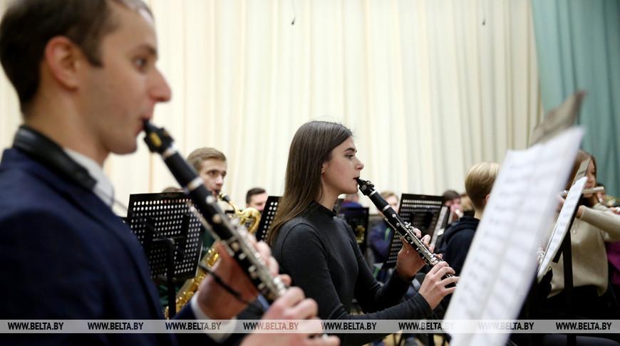 Музыкальному колледжу имени Глинки исполняется 95 лет