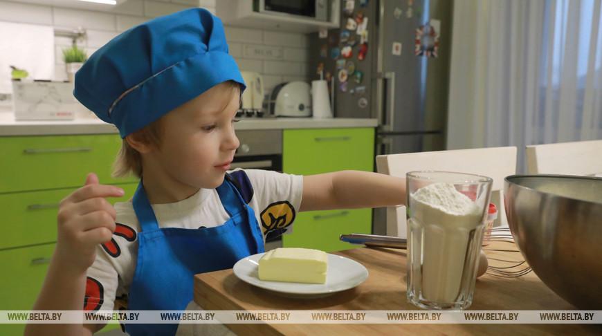 Марк Пастухов создает кулинарные шедевры в 3,5 года