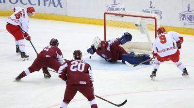 Хоккеисты сборной Беларуси уступили Латвии во втором туре молодежного ЧМ