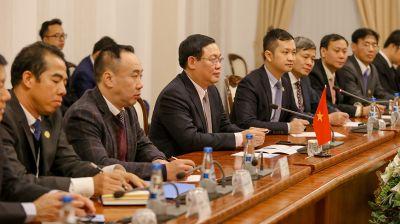 Ляшенко встретился с вице-премьером Вьетнама