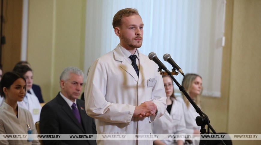 Студенты-медики из Витебска, Гомеля и Гродно поучаствовали во встрече с Президентом по видеосвязи