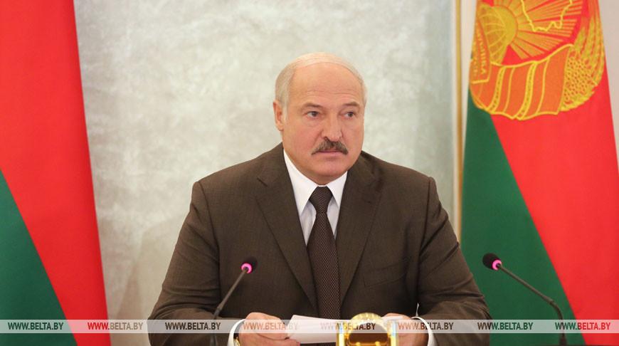 Лукашенко обсудил с Совбезом новый план обороны Беларуси