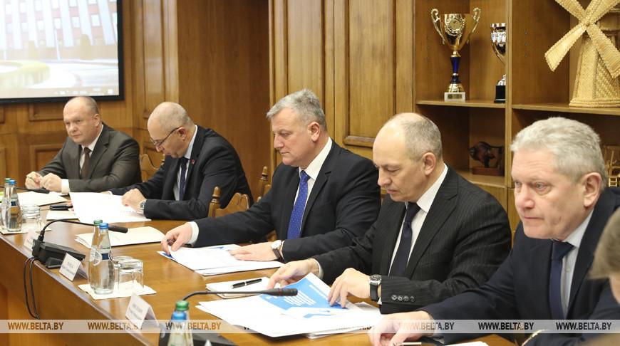 В Администрации Президента обсудили совершенствование административной ответственности