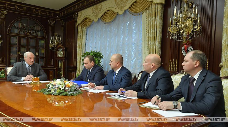 Лукашенко поручил в ближайшие часы завершить переговоры с Россией по нефти и начать альтернативные поставки