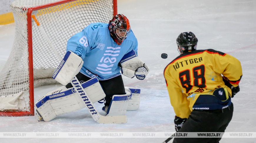 Команды Германии и Балтии сыграли вничью на Рождественском турнире любителей хоккея в Минске