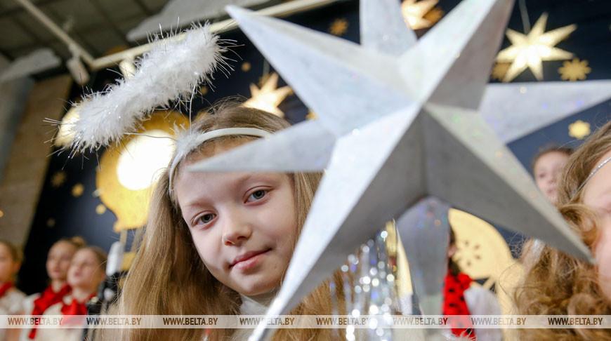 Рождественский фестиваль батлеечных и кукольных театров открылся в Минске