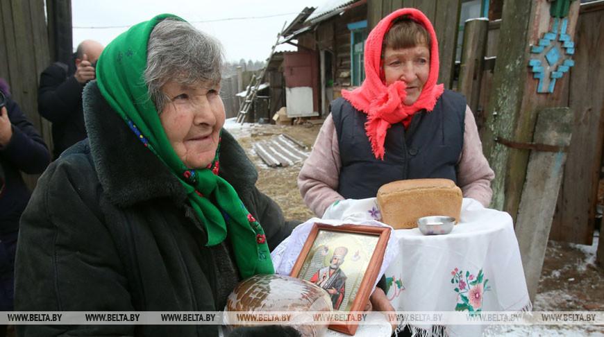 """Обряд """"Перенос иконы и свечи"""" проводится в деревне Репище Чечерского района"""