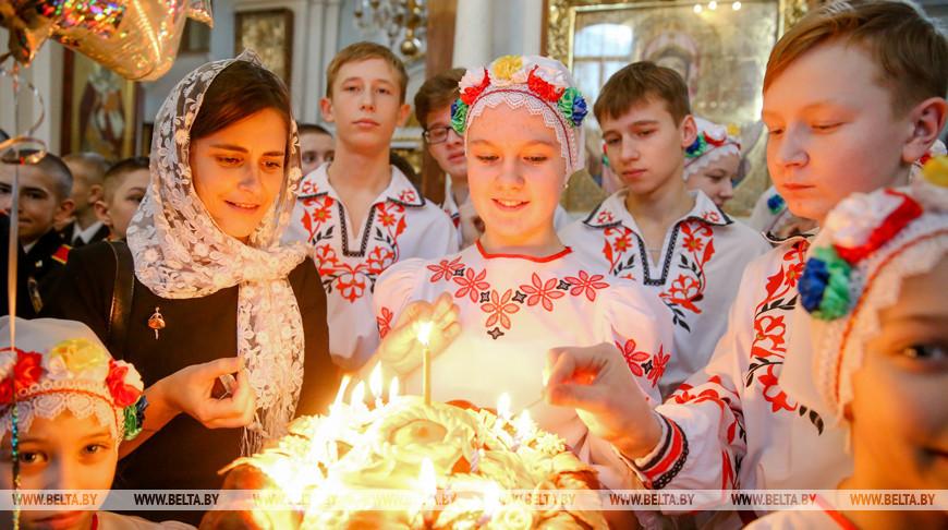 """На """"Рождественскую елку"""" в Минск приехали дети из пострадавших от аварии на ЧАЭС районов"""