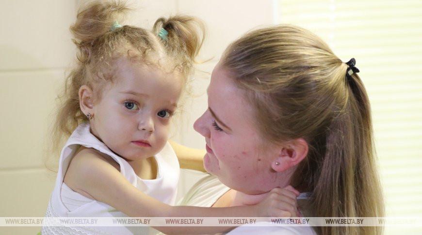 Белорусские трансплантологи спасли ребенка с тяжелой печеночной недостаточностью