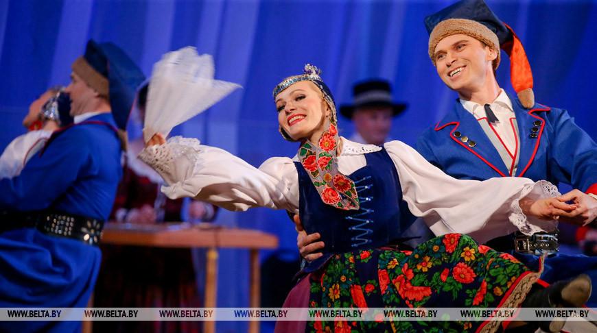 """На сцене Белгосфилармонии прошел сольный концерт хореографического ансамбля """"Хорошки"""""""