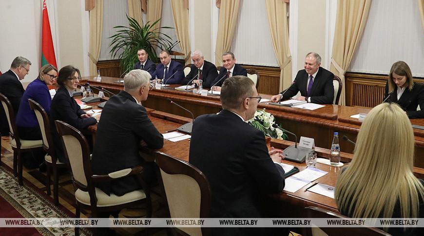 Румас встретился с премьер-министром Латвии