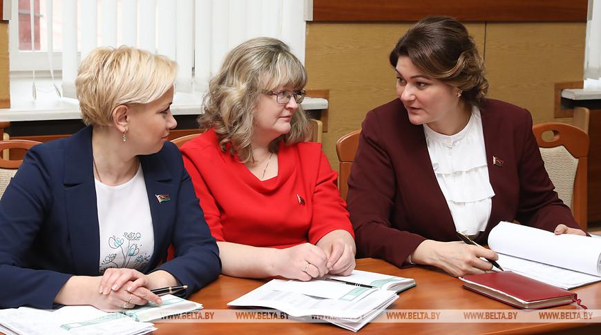 Кочанова встретилась с председателями местных Советов депутатов Витебской области