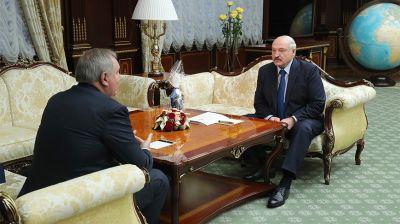 """Лукашенко обсудил с главой """"Роскосмоса"""" совместные проекты в космической сфере"""