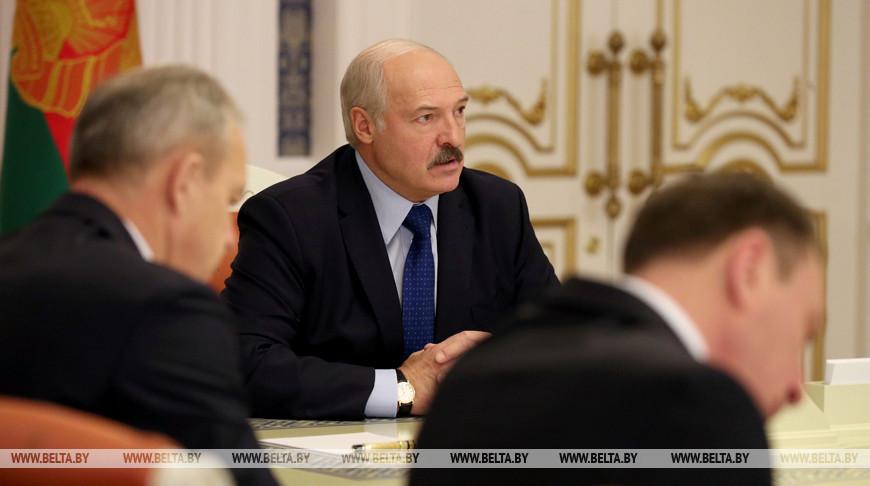 Лукашенко провел совещание по вопросам повышения эффективности реализации нефтепродуктов на экспорт