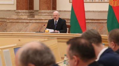 Лукашенко требует наладить эффективную работу АПК Витебской области