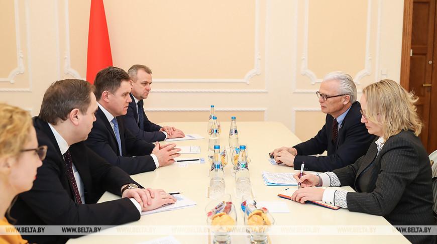 Петришенко встретился с руководителем компании F.Hoffman-La Roche
