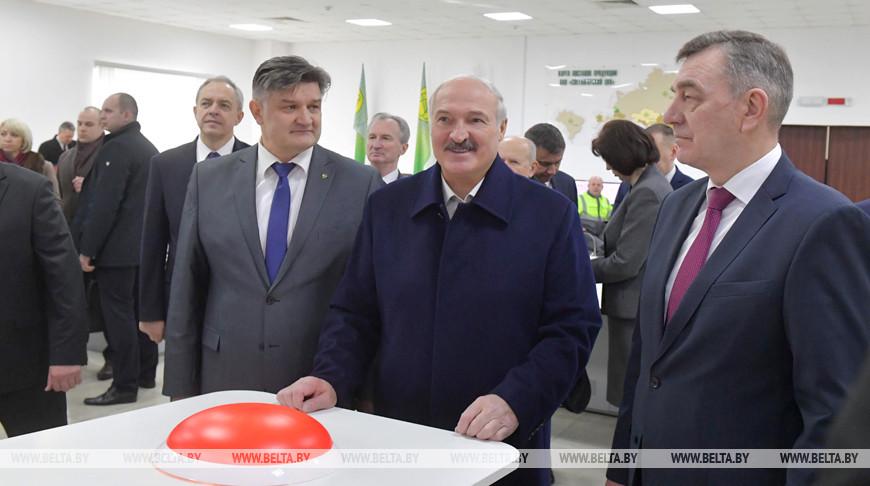 Лукашенко осуществил символический пуск производства сульфатной беленой целлюлозы на Светлогорском ЦКК