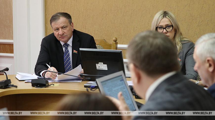 Депутаты обсуждают изменения в рекламу на ТВ-каналах
