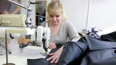 """Более 80 новых моделей верхней одежды предложит бобруйская фабрика """"Славянка"""" этой весной"""