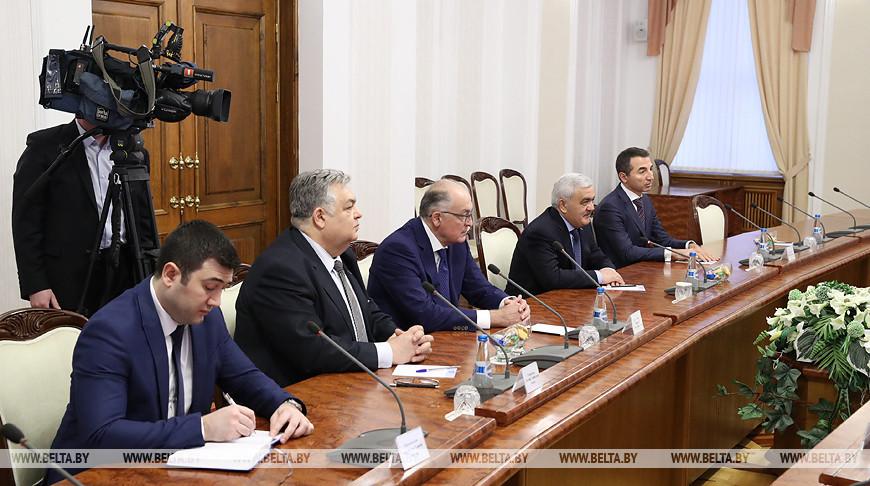 Румас встретился с президентом государственной нефтяной компании Азербайджана Socar Ровнагом Абдуллаевым