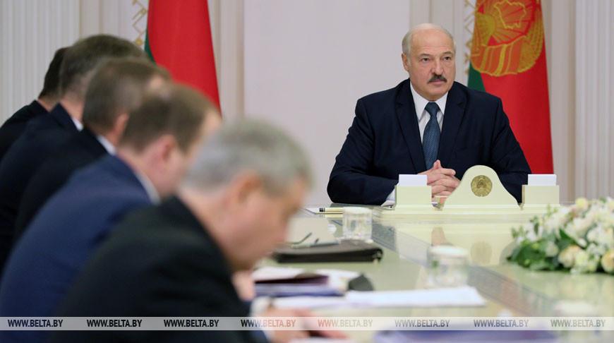 Лукашенко собрал совещание по нефти