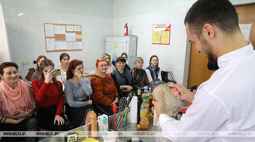 Мастер-класс по современной кулинарии проходит в Могилеве