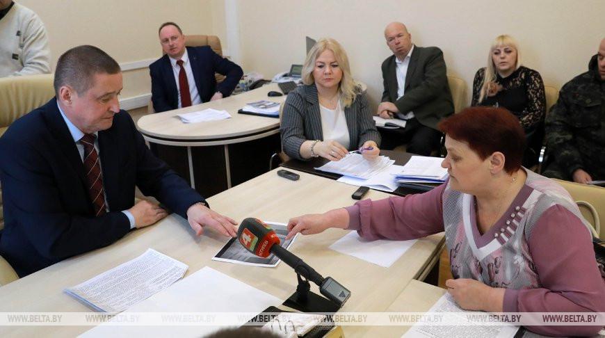 Леонид Заяц провел прием граждан в Могилеве