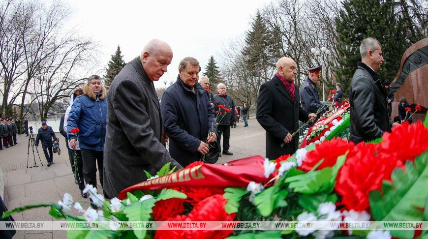 В Минске почтили память погибших при исполнении служебного долга сотрудников милиции