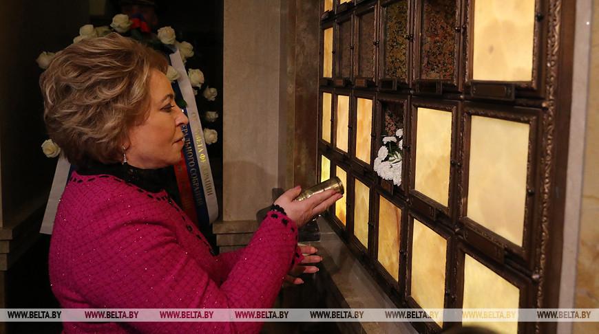 Землю с мест боев подо Ржевом передали храму-памятнику в честь Всех Святых в Минске