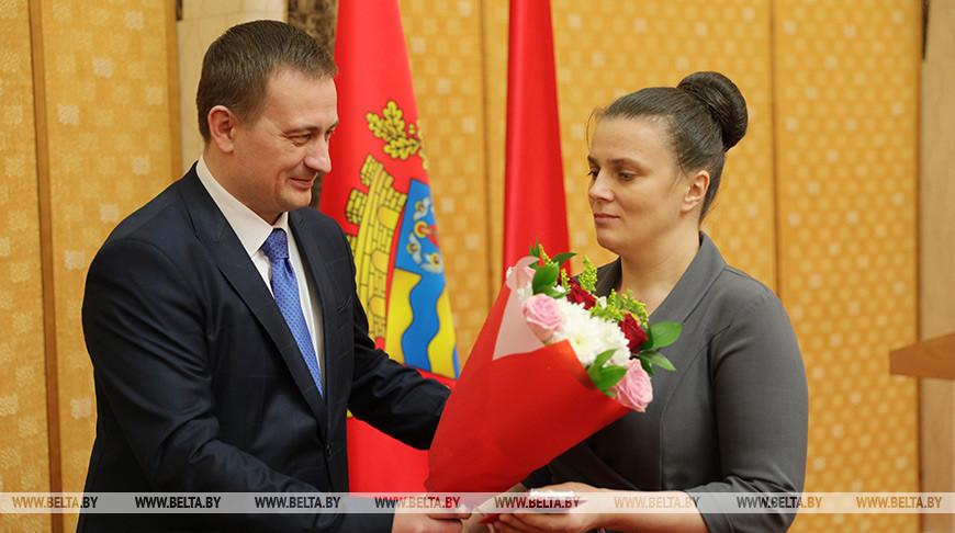 В Национальной библиотеке орденом Матери наградили 38 жительниц Минской области