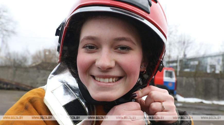 Студенты Витебской области пробуют себя в роли спасателей-пожарных