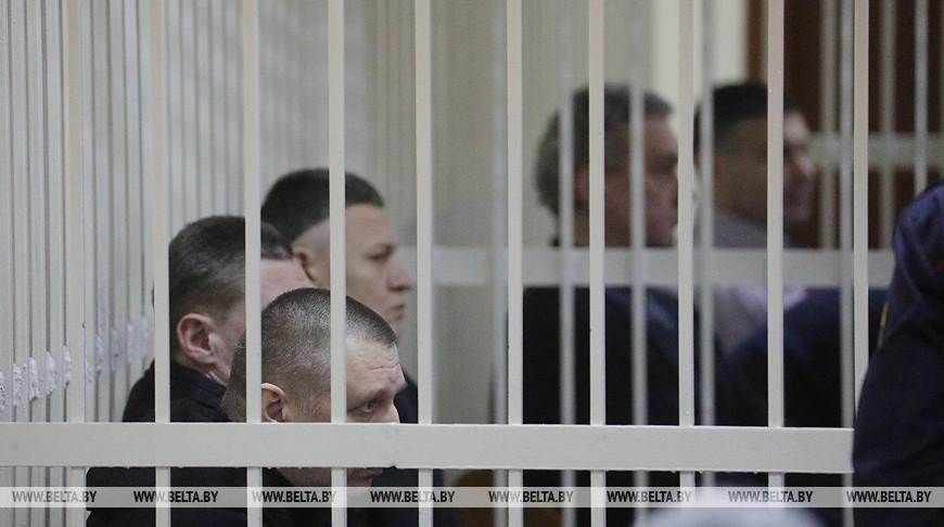 """Суд по """"делу банкиров"""" с 16 обвиняемыми начался в Минске"""