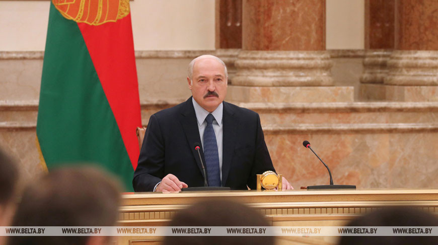 Лукашенко провел совещание об итогах социально-экономического развития за 2019 год и оценке результатов пятилетки