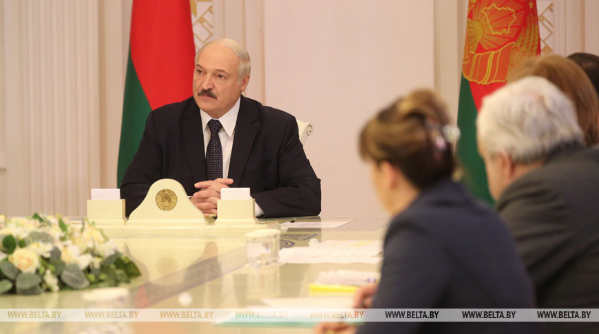 Лукашенко собрал совещание по эпидемиологической ситуации в Беларуси