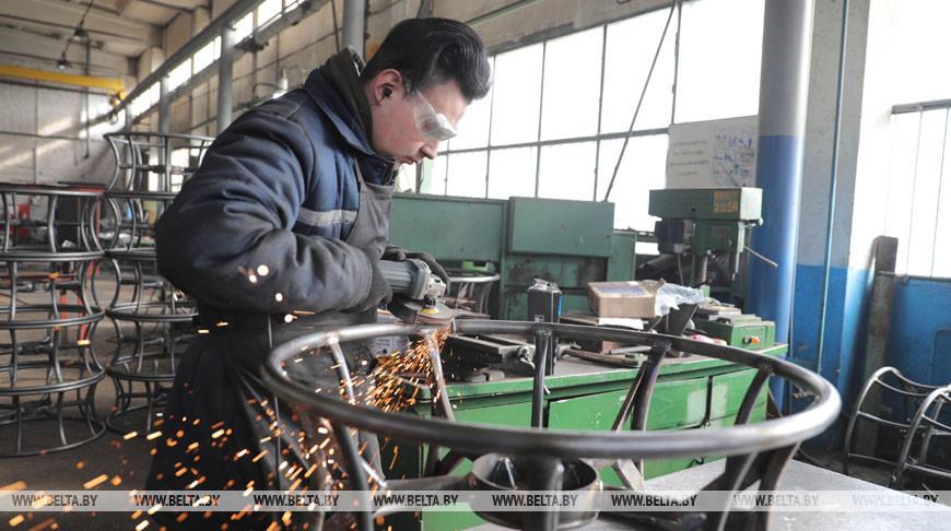 Слонимский ремонтный завод готовит технику к сельхозработам
