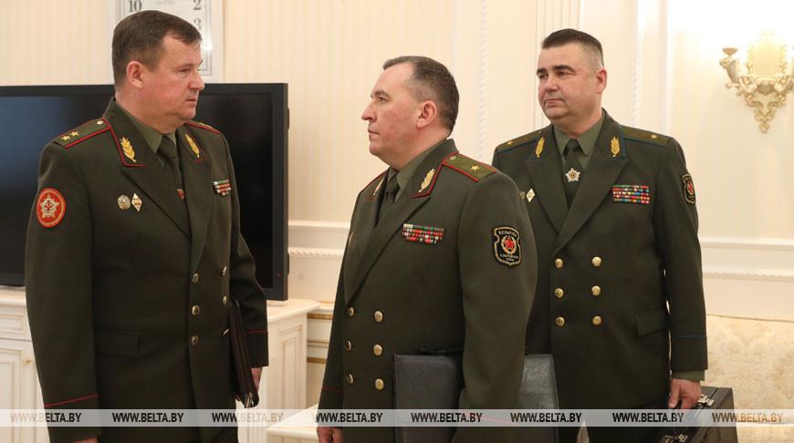 Лукашенко принял с докладом силовиков по ситуации в Вооруженных Силах и реагированию на учения НАТО